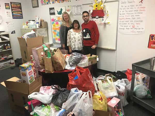 Ocotillo Elementary School Christmas - 2018 Gift Delivery